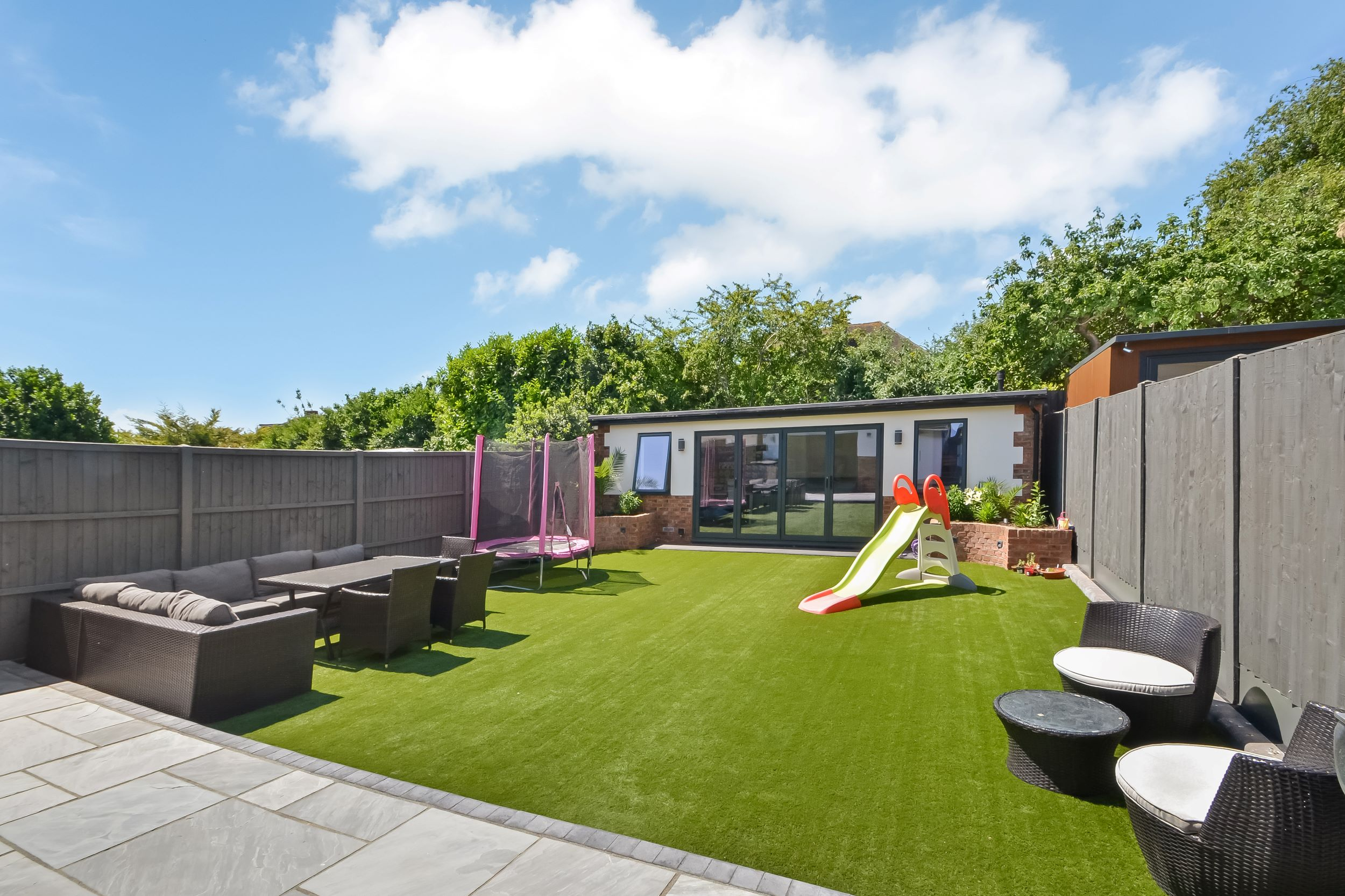 After photo of house renovation and extension with new outbuilding in Portsmouth by architects Thorns Young Architectural